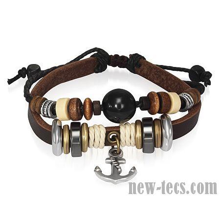 Кожаный браслет декорированный